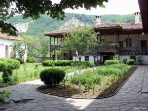 muzhki-manastir-01