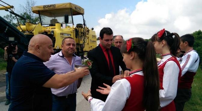 Започна дългоочакваният ремонт на улици в Калофер – видео