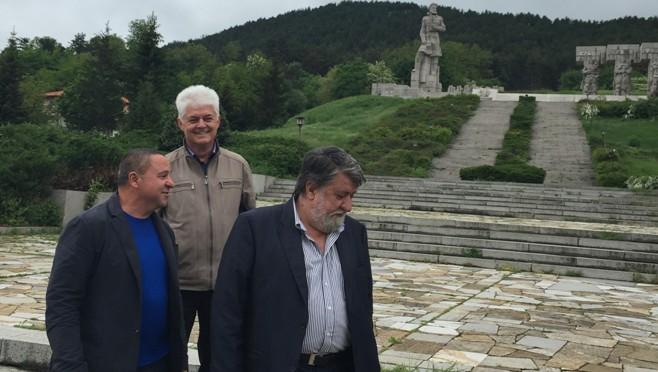 Рашидов: Паметникът на Ботев в Калофер е непоклатим