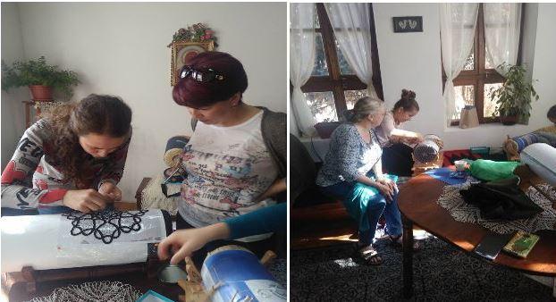 Майсторки показват как се плете калоферска дантела в Княжеския дворец в София