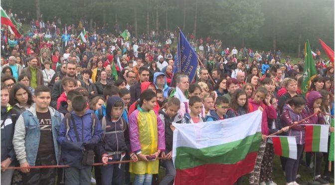 Калофер почете Ботев и загиналите за свободата на България (видео)