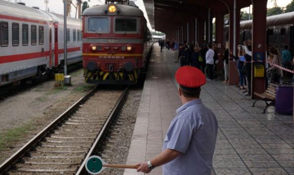 БДЖ пуска нов бърз влак през Карлово от следващата година